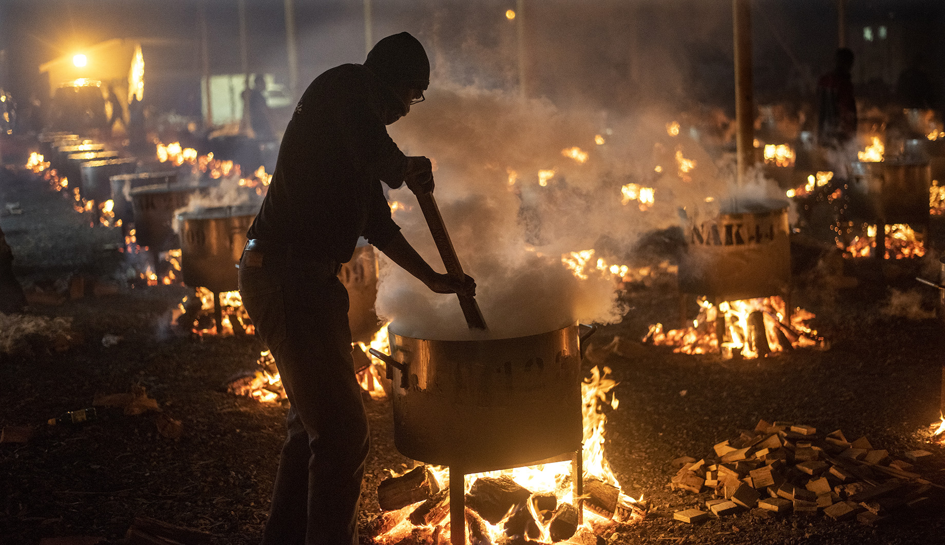 MAVERICK CITIZEN: Cape Town organisation cooks tons of Aknie for 90,000 people to mark Eid al-Fitr