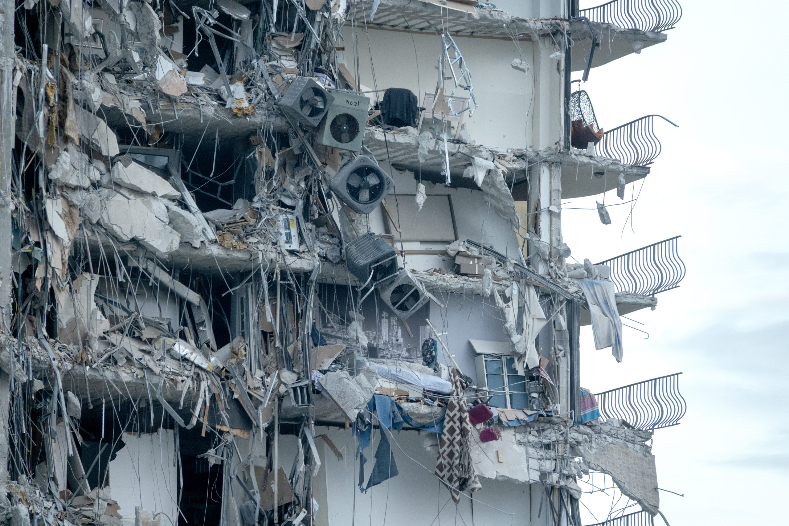 World: Nearly 100 people missing as oceanfront Miami-area building collapses