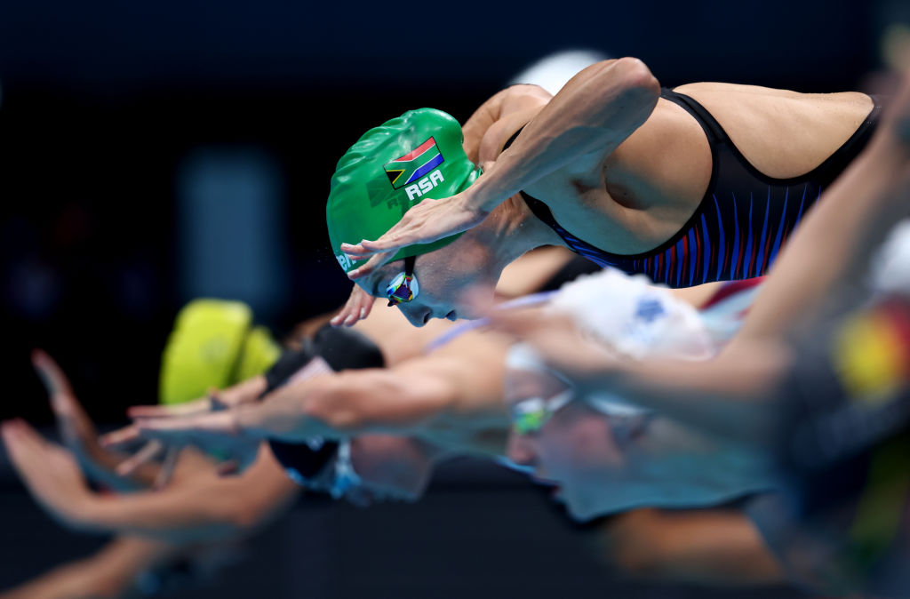 Newsdeck: Schoenmaker takes gold for South Africa with world record