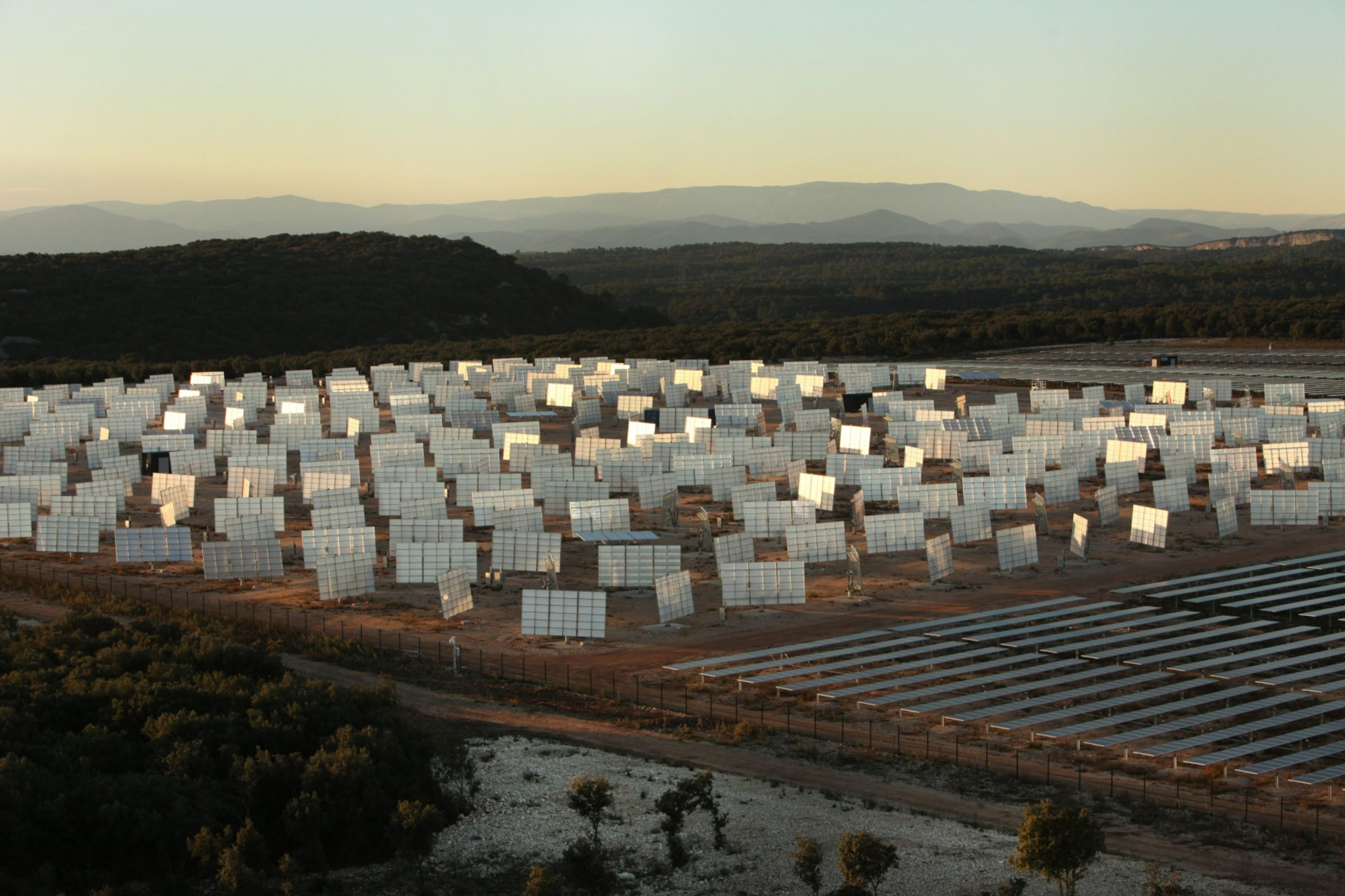 Solar Power Is Dirt-Cheap and About to Get Even More Po…