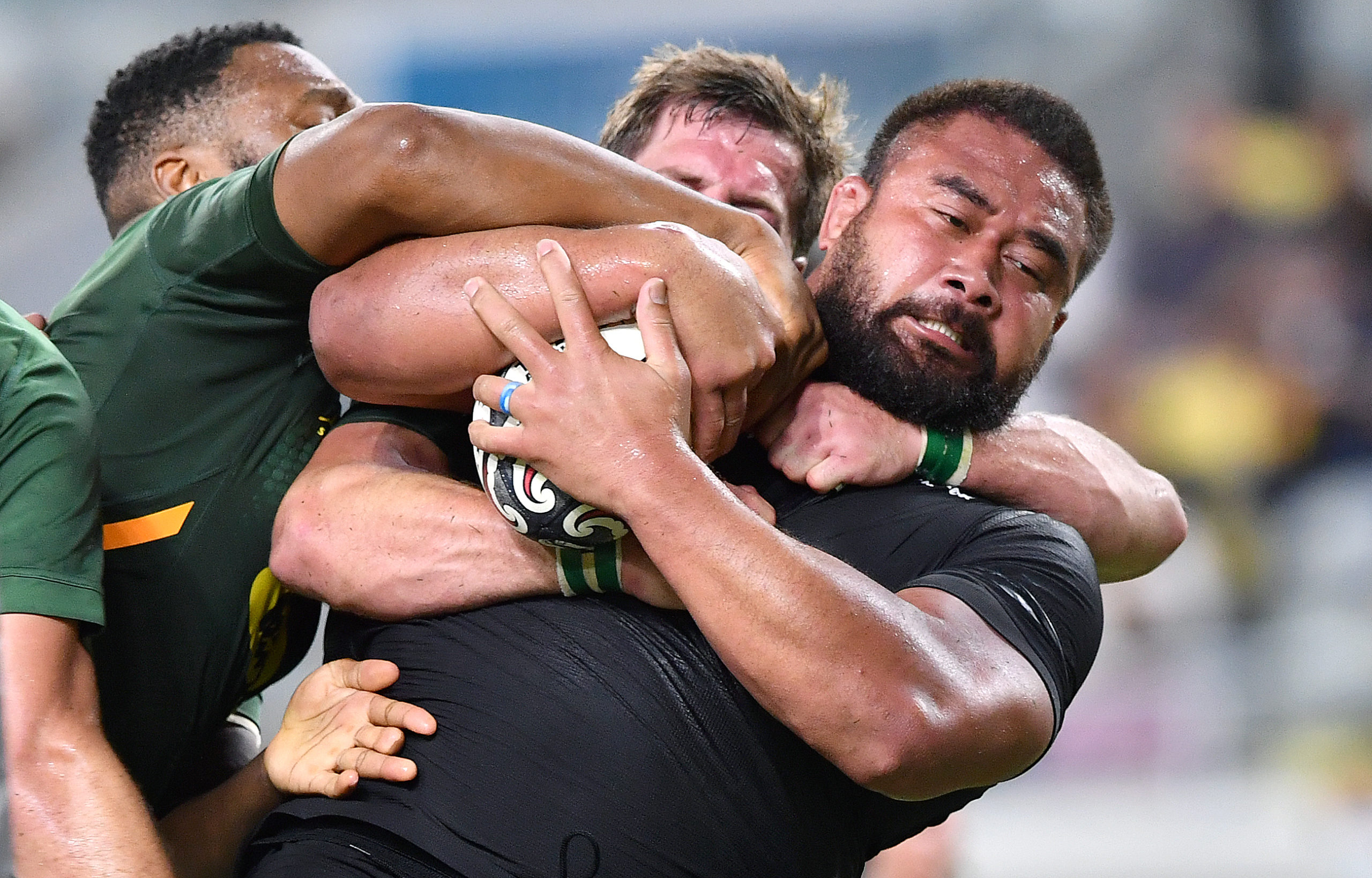 New Zealand 19 (13) South Africa 17 (11): Improved Boks undone at the death by lack of ambition and Barrett's boot