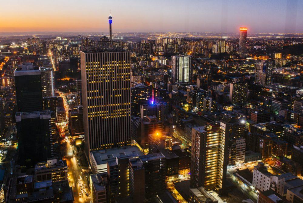 Business Maverick: Buitelanders stort Suid-Afrikaanse effekte in as hul rommelstatus wandel - Daily Maverick