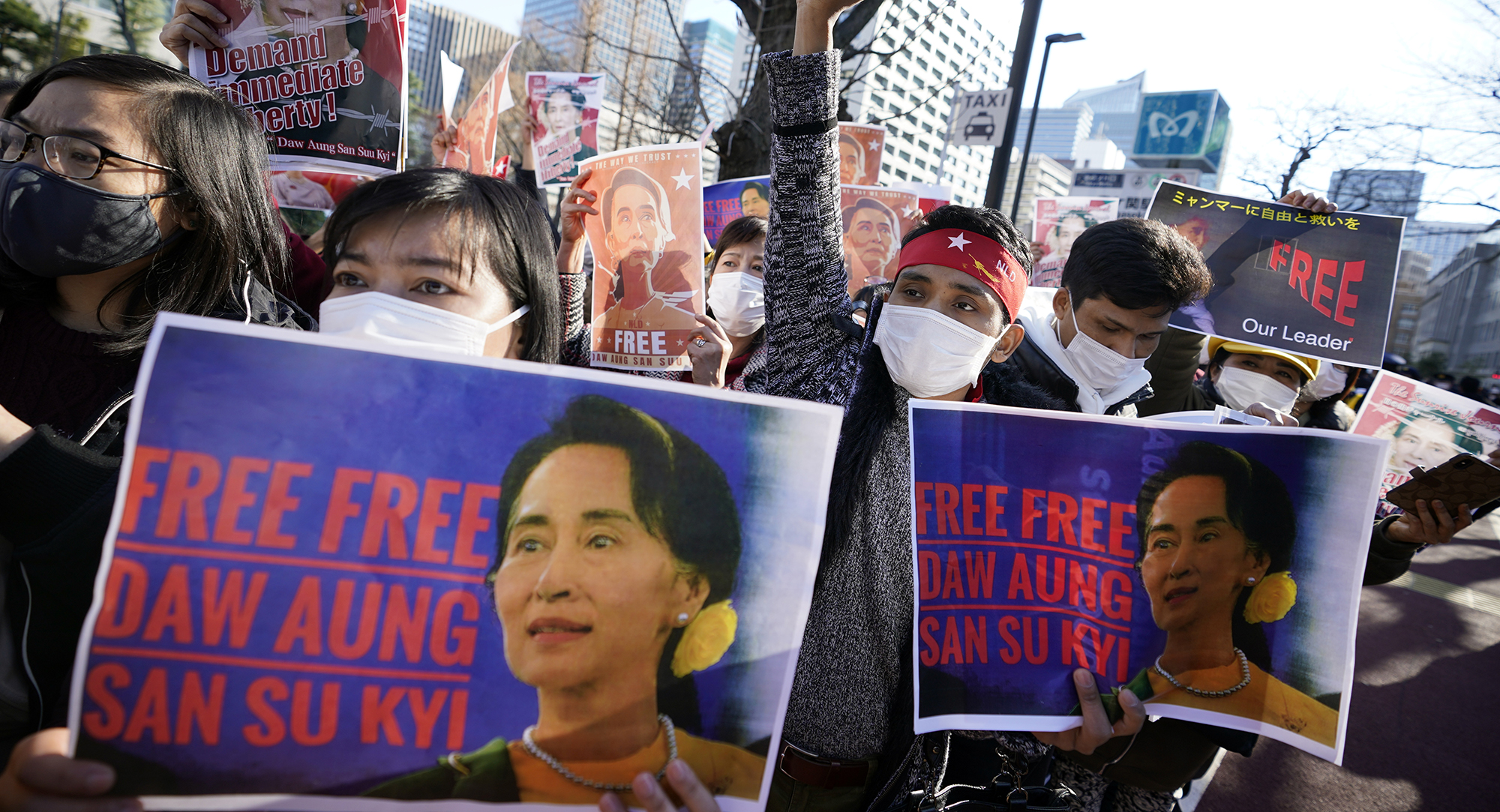 www.dailymaverick.co.za: The world may grumble, but soldiers hold sway in Myanma...