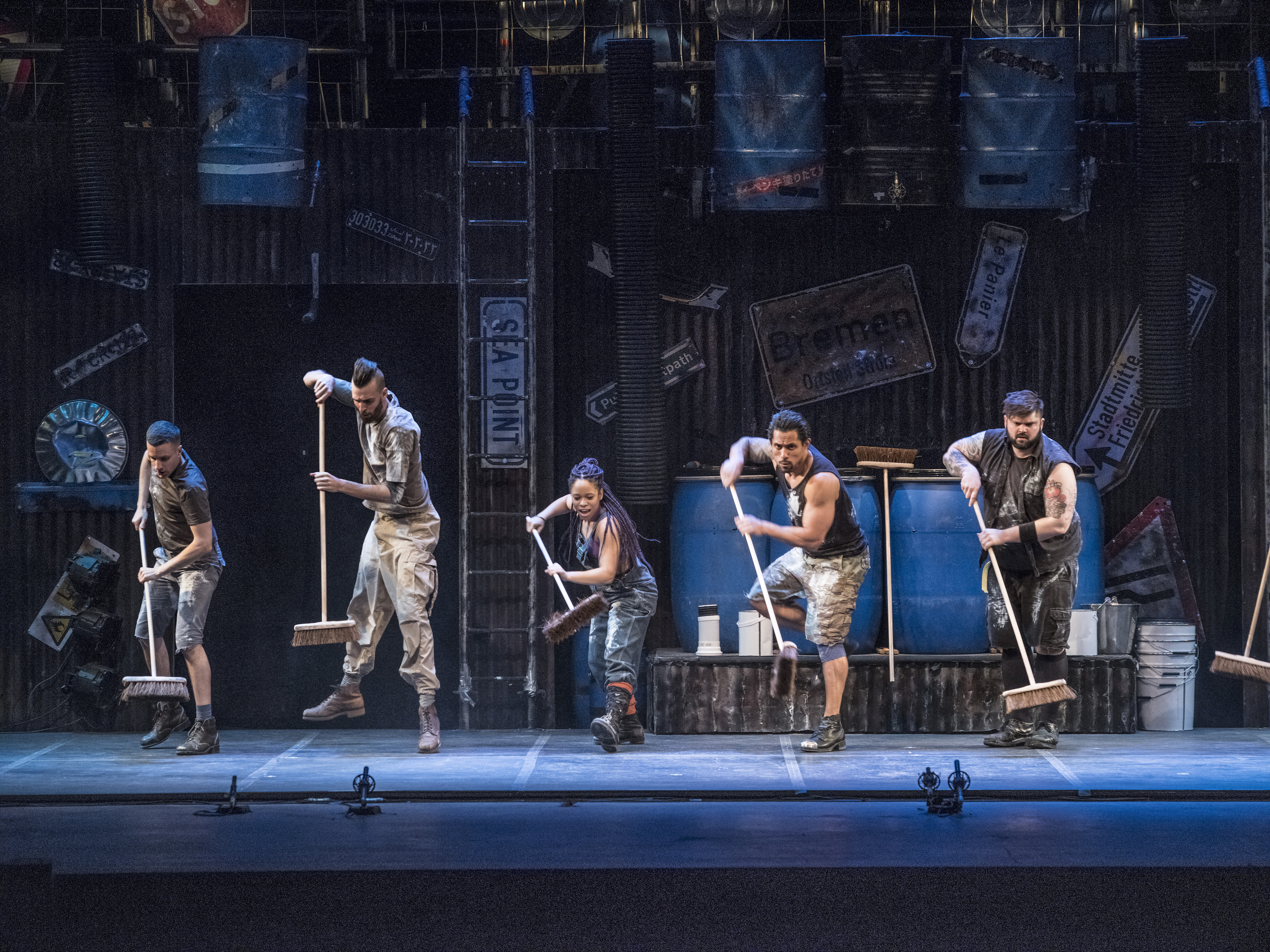 STOMP: A brilliant rebel son among a family of musicals