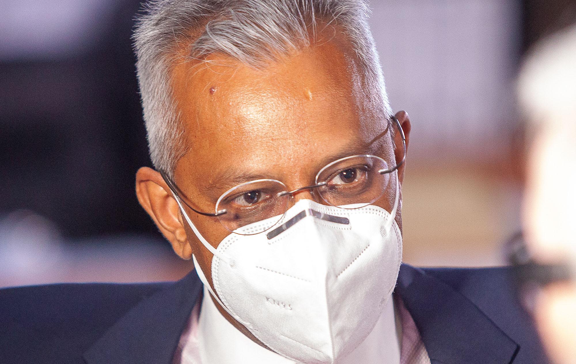 Mr Cash: Zondo questions Anoj Singh's Dubai bills and safety deposit boxes - Daily Maverick