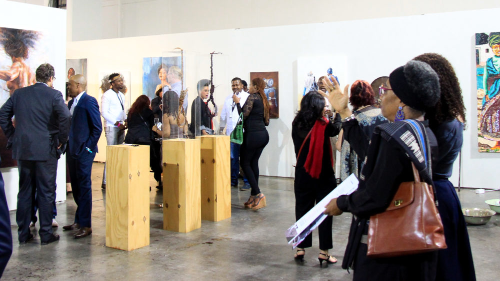 curating art exhibitions