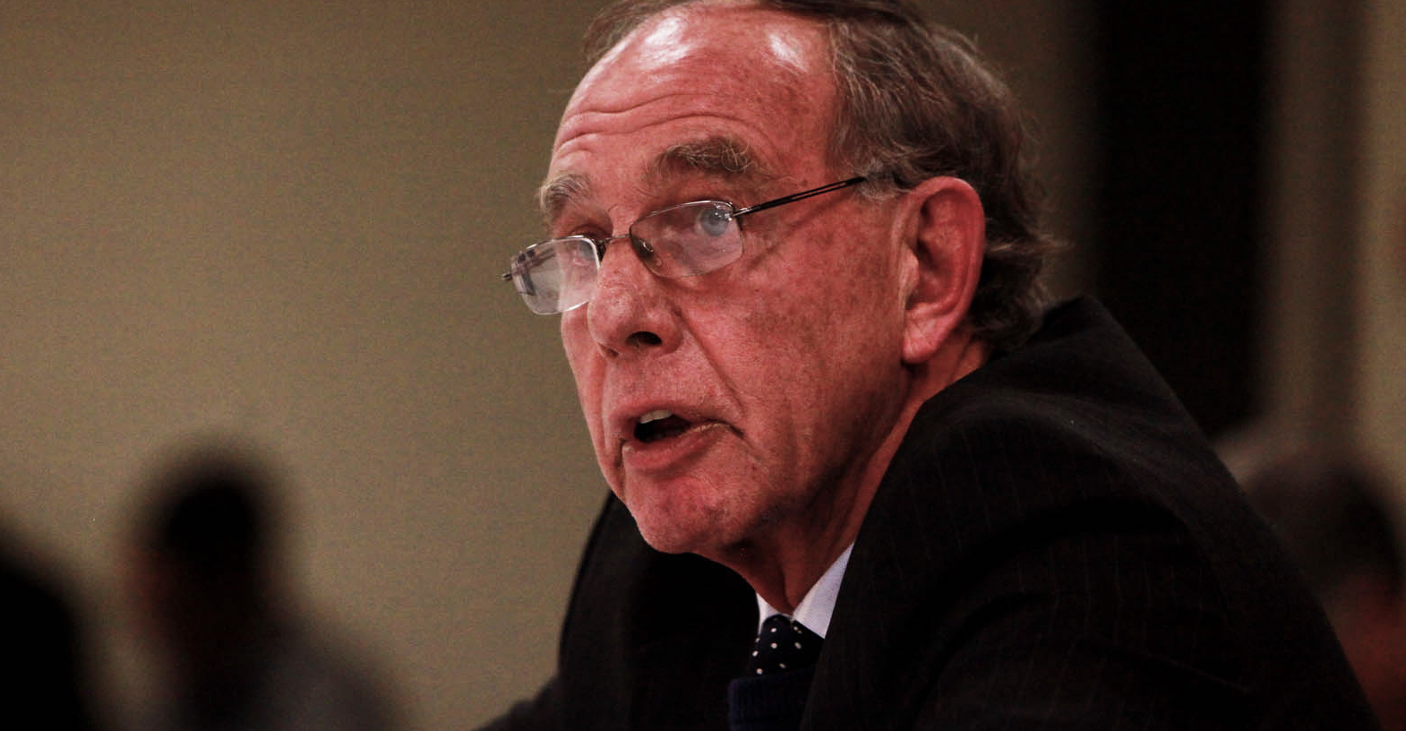 NUUSFLITS: SARS is besig om twee sleutelbestuurders aan die gang te sit weens voorsorg vir skorsing - Daily Maverick