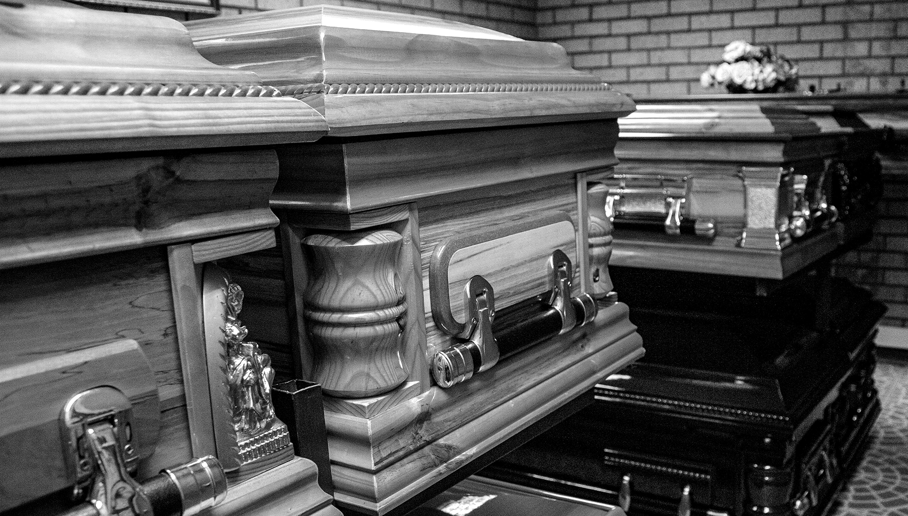 Excess deaths decline for first time since November - Daily Maverick