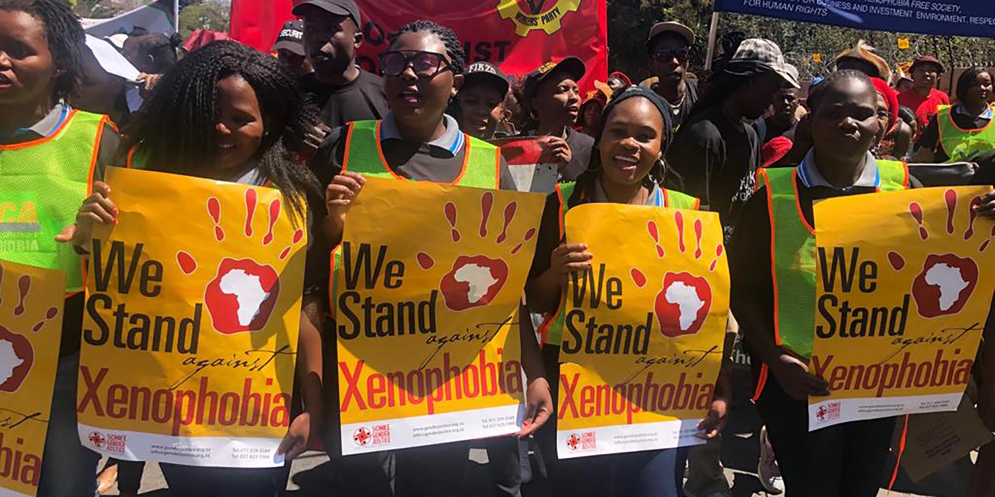 Xenophobia aangevuur deur minister Motsoaledi se sondebok - Daily Maverick