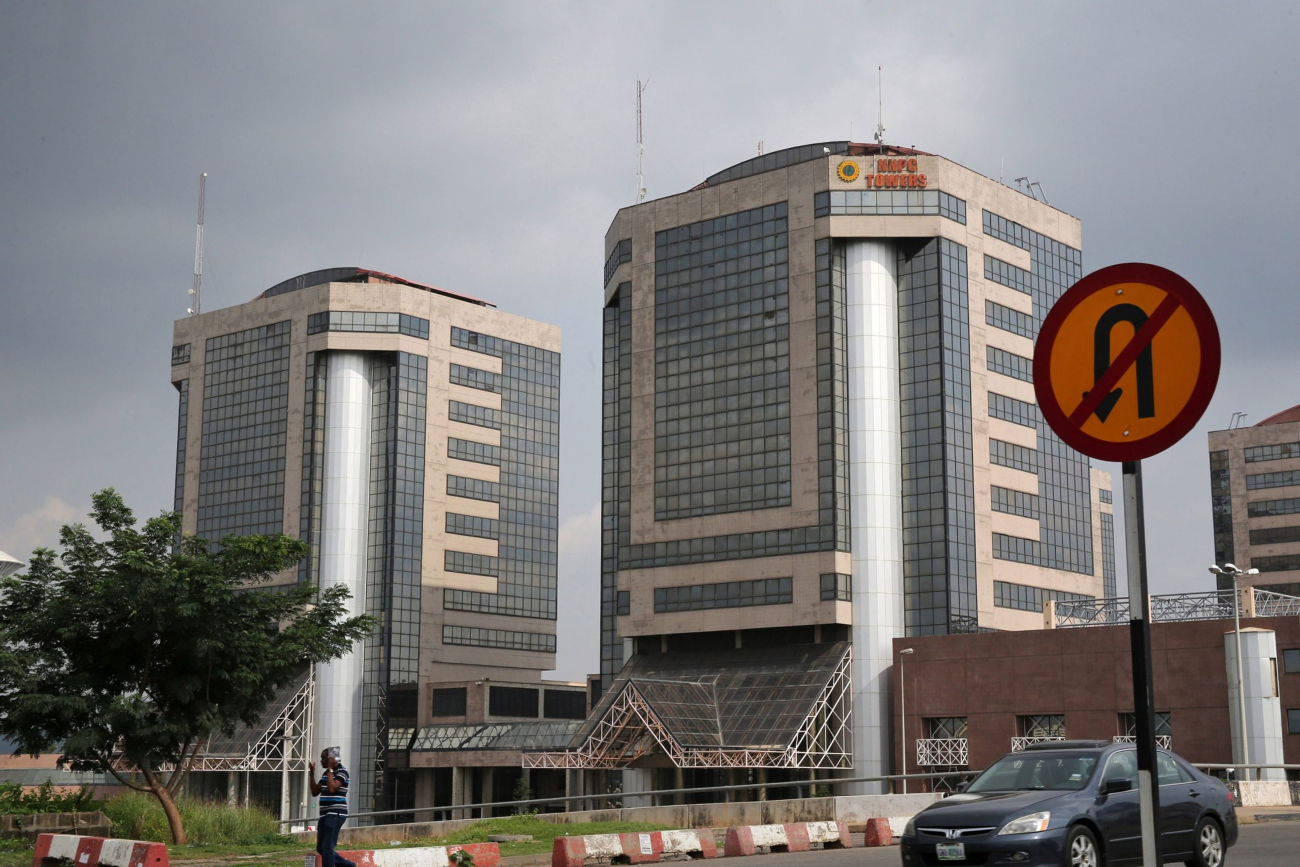 dailymaverick.co.za - Bloomberg - Business Maverick: Nigeria May Sell Stake in State Oil Company in Industry Overhaul