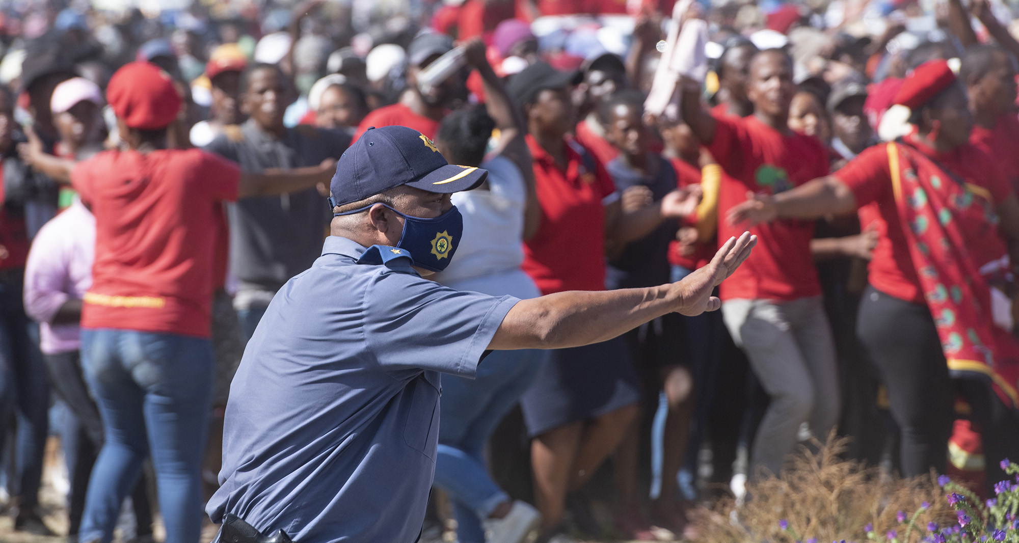 Tensions mount between EFF and police during another Friday protest in Cape Town - Daily Maverick