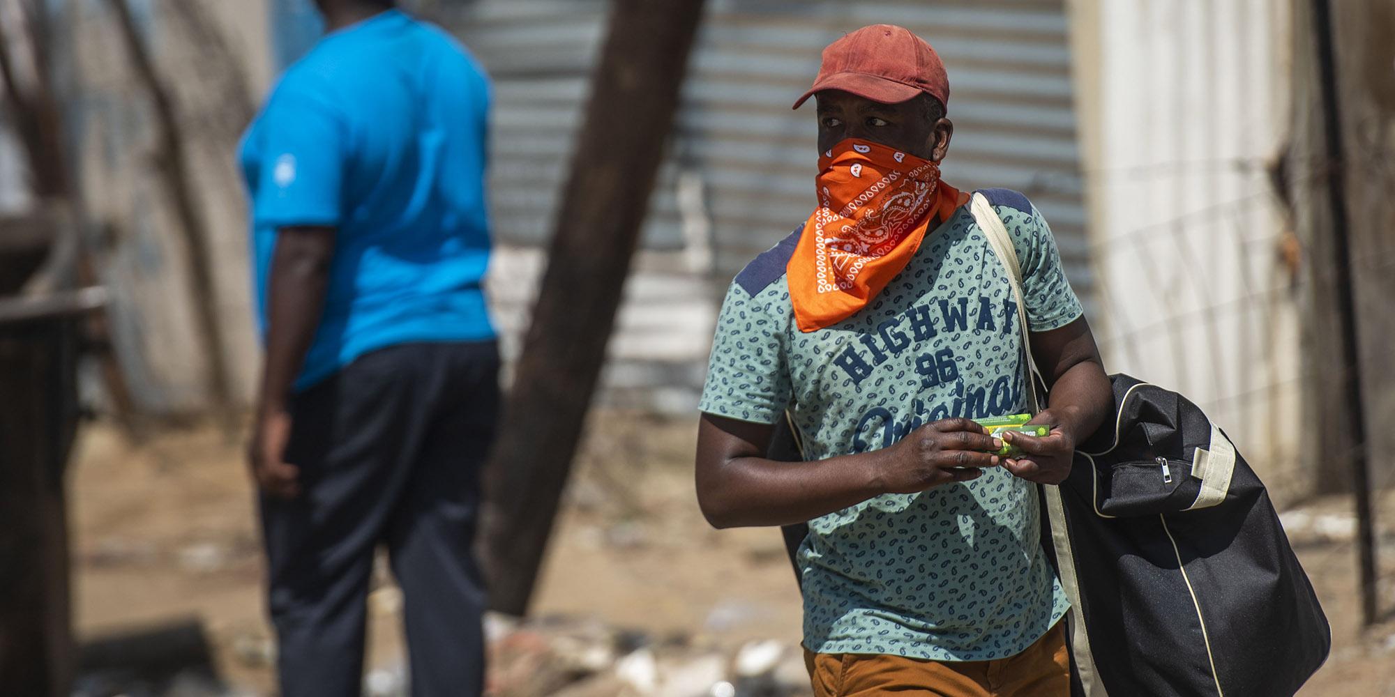 Coronavirus: Newsflash: Everyone should wear a face mask – SA Health Minister