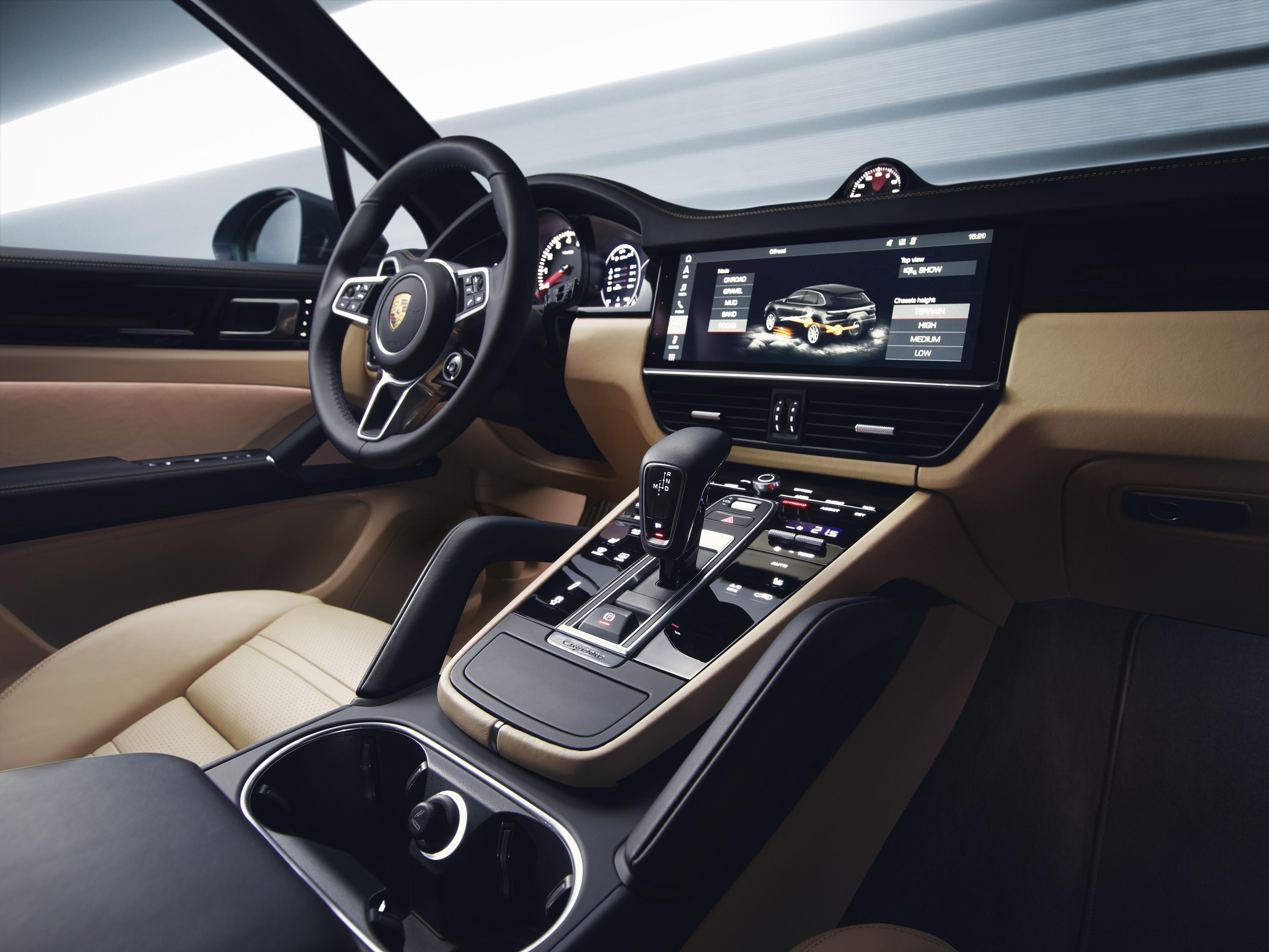 Porsche Cayenne S Fast forward