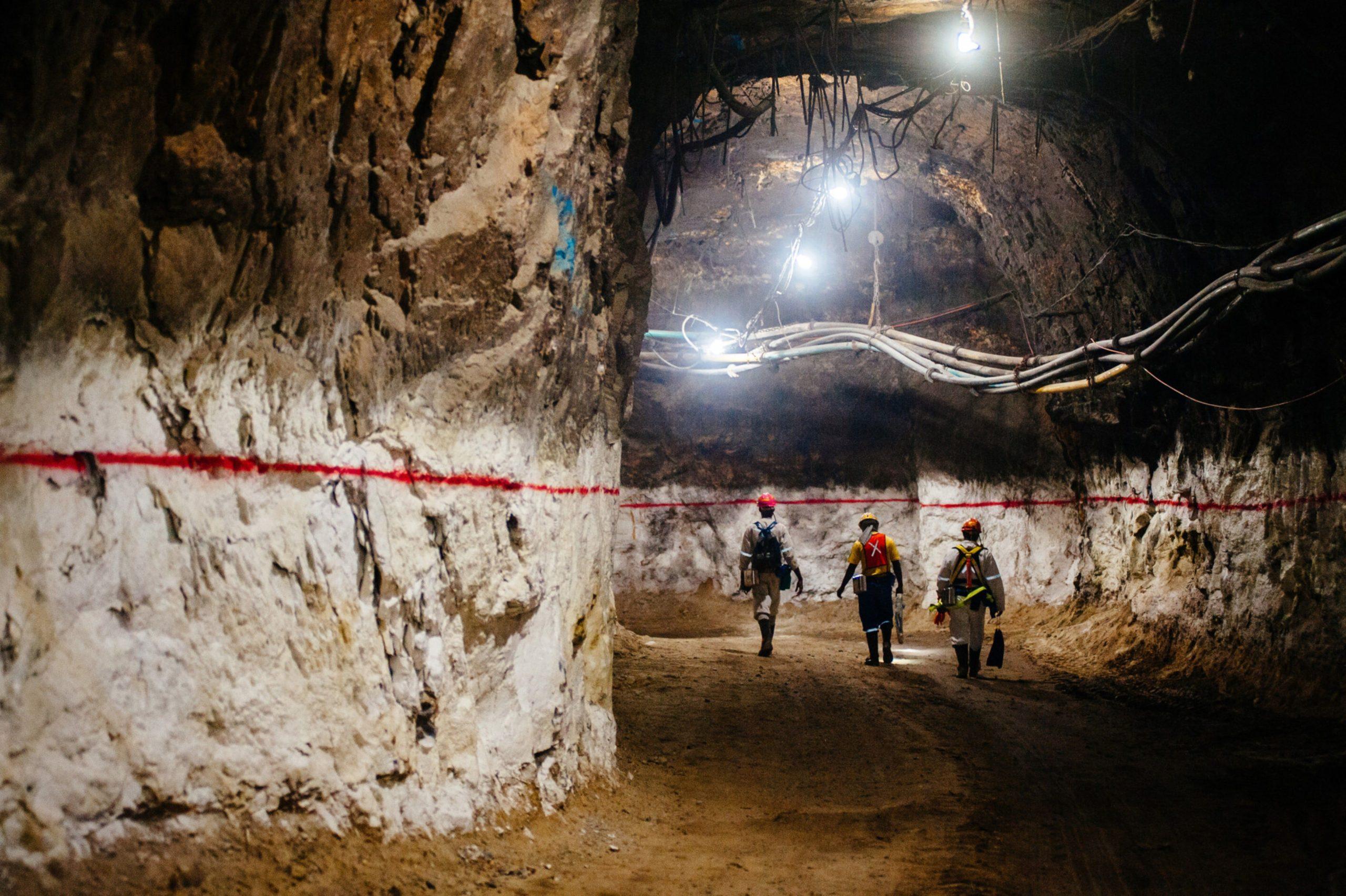 dailymaverick.co.za - Bloomberg - Business Maverick: With Gold Rallying, Mining CEOs Say ESG Scrutiny Is Intensifying