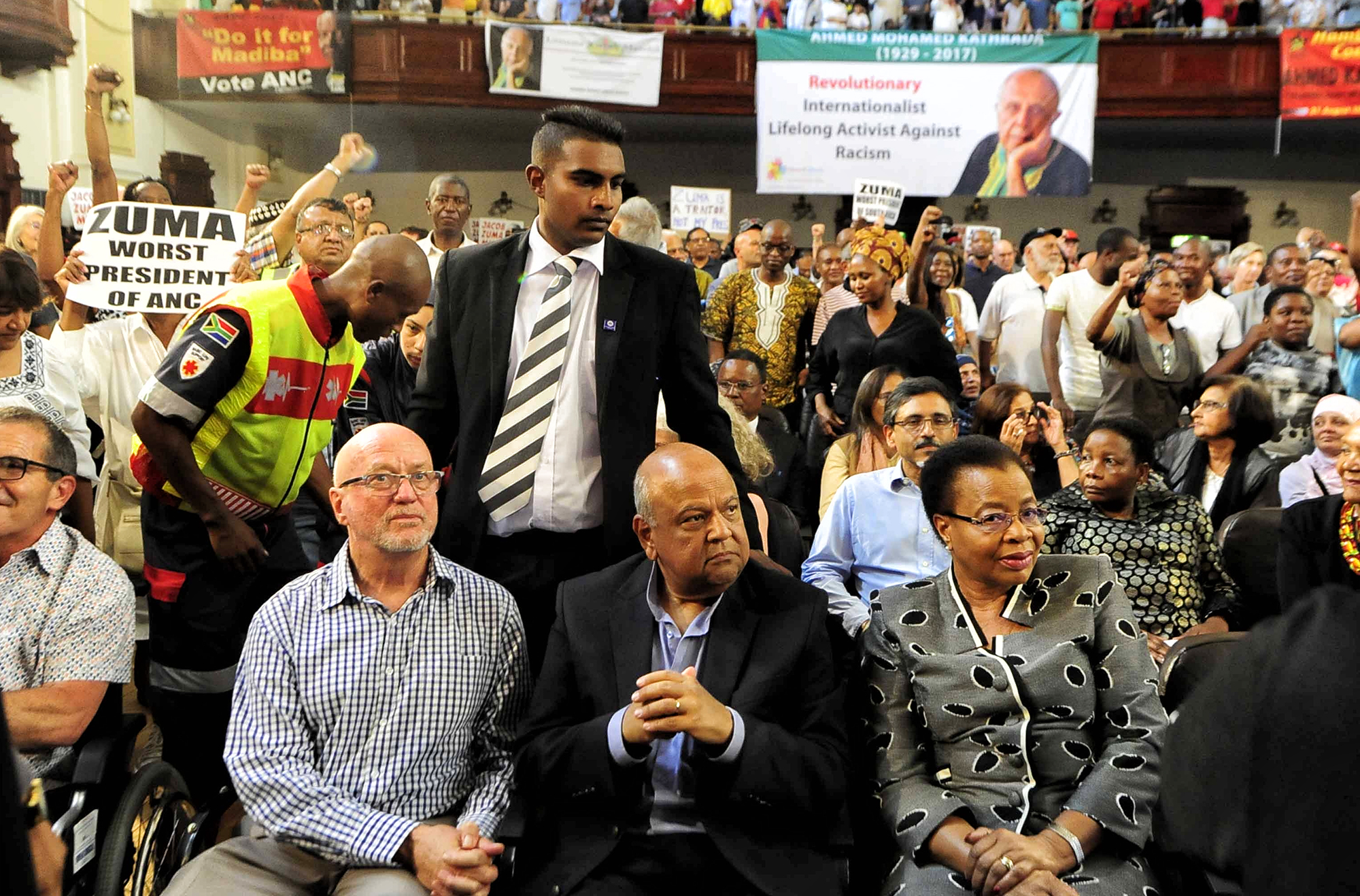Twitterbataljon: Zuma en Malema se twaalf op Hanekom ... - Daily Maverick