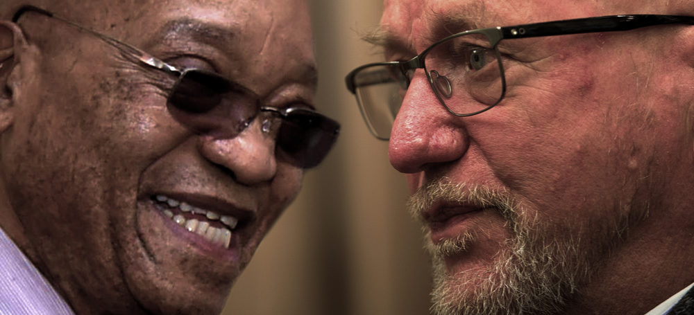 Los lippe sink bankrekeninge en grondwetlike demokrasie soos wat regter Zuma tweets lasterlik maak - Daily Maverick