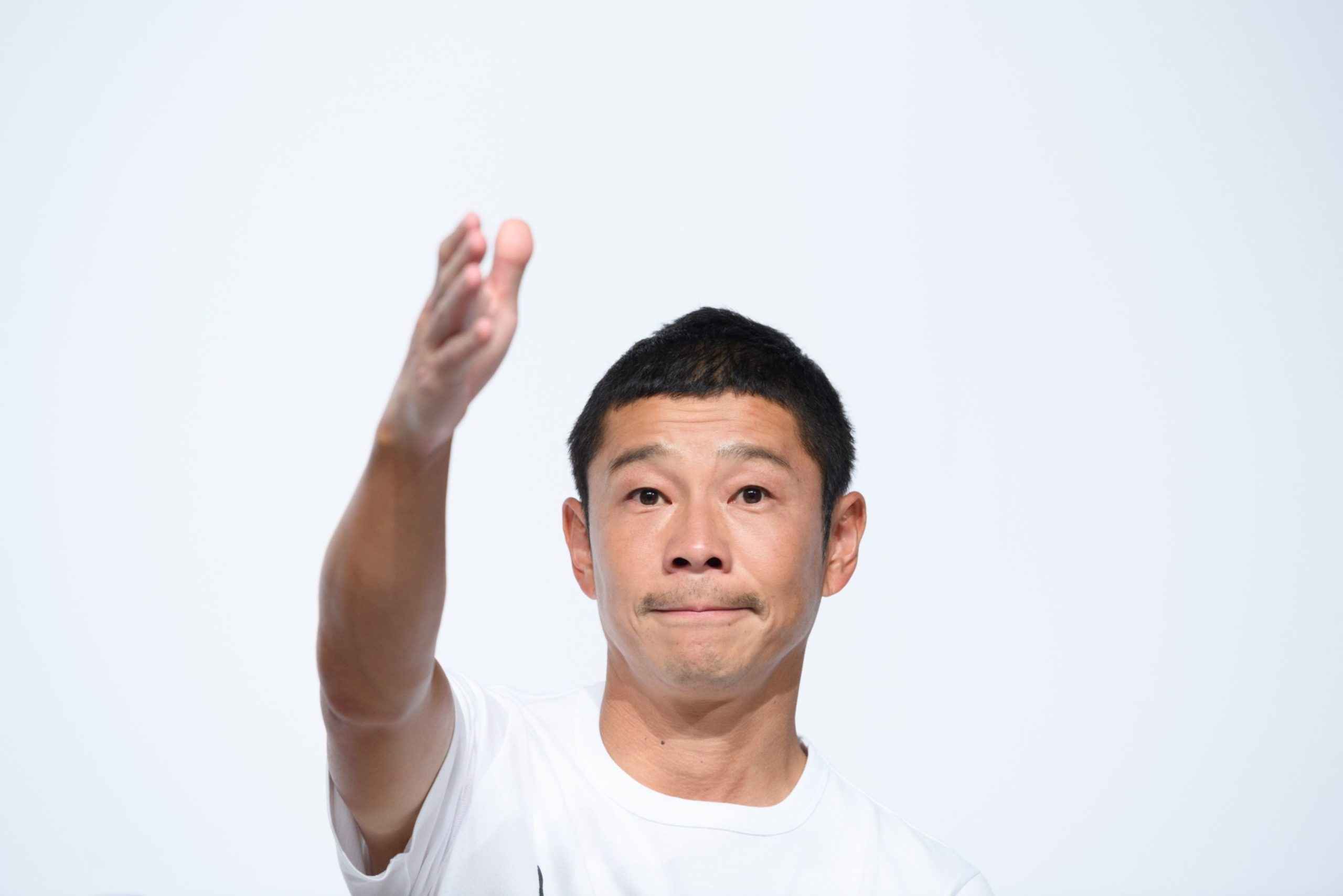 Japanese Billionaire Seeks Crew for 'Fun' Trip Around the Moon - Daily Maverick