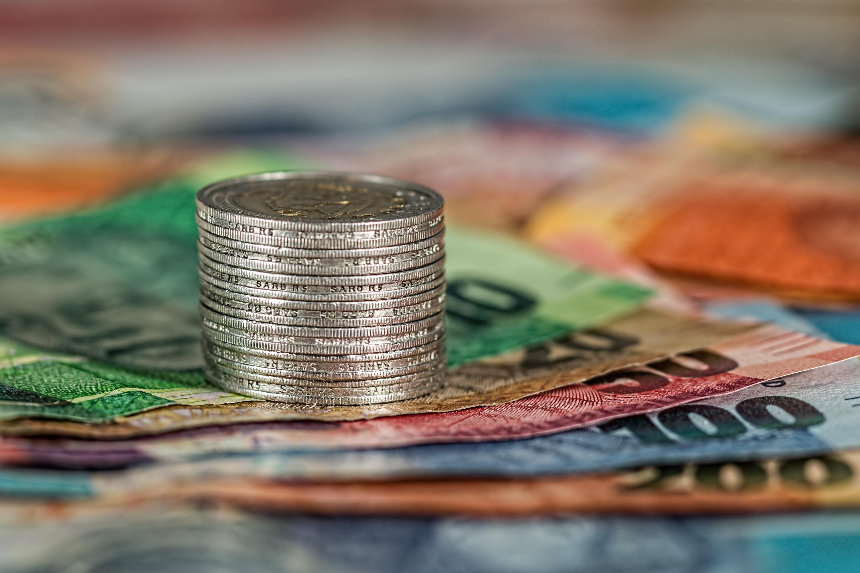 https://www.dailymaverick.co.za/wp-content/uploads/bank-banking-banknotes-business-210574.jpg