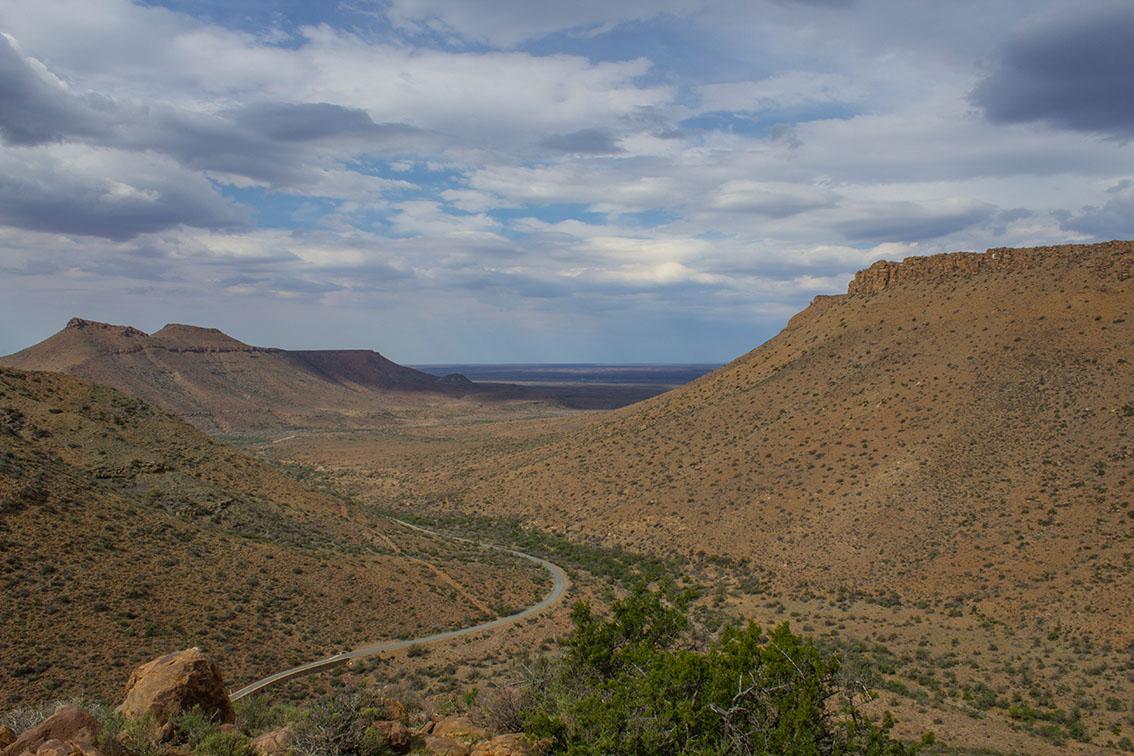Oom Bulletjie and the Secrets held by Karoo Mountains