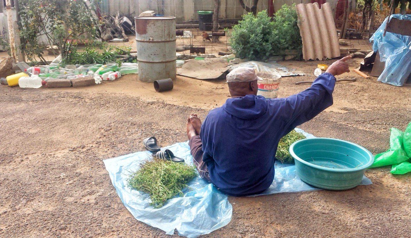 GroundUp: For R5,000, sangoma will pray for an informal