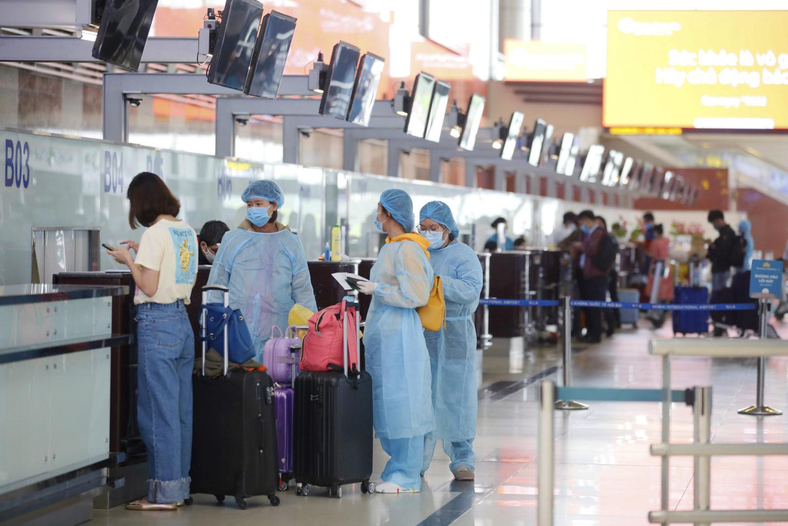 Vietnam evacuating Da Nang a city of 80000 after three virus cases