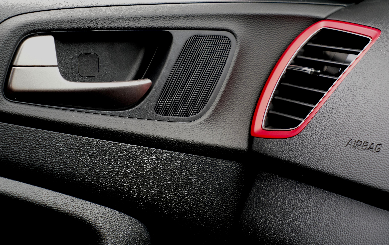 Hyundai i20 1 4 Active: More bark than bite