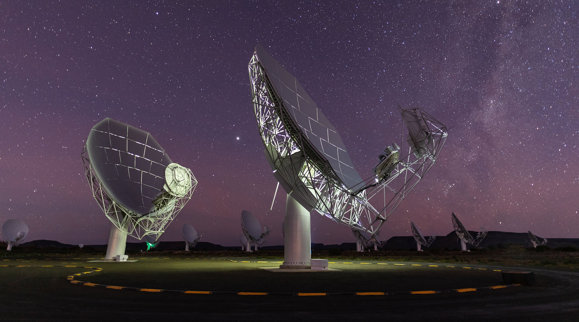 South Africa's MeerKAT finds radio galaxies that dwarf our Milky Way - Daily Maverick