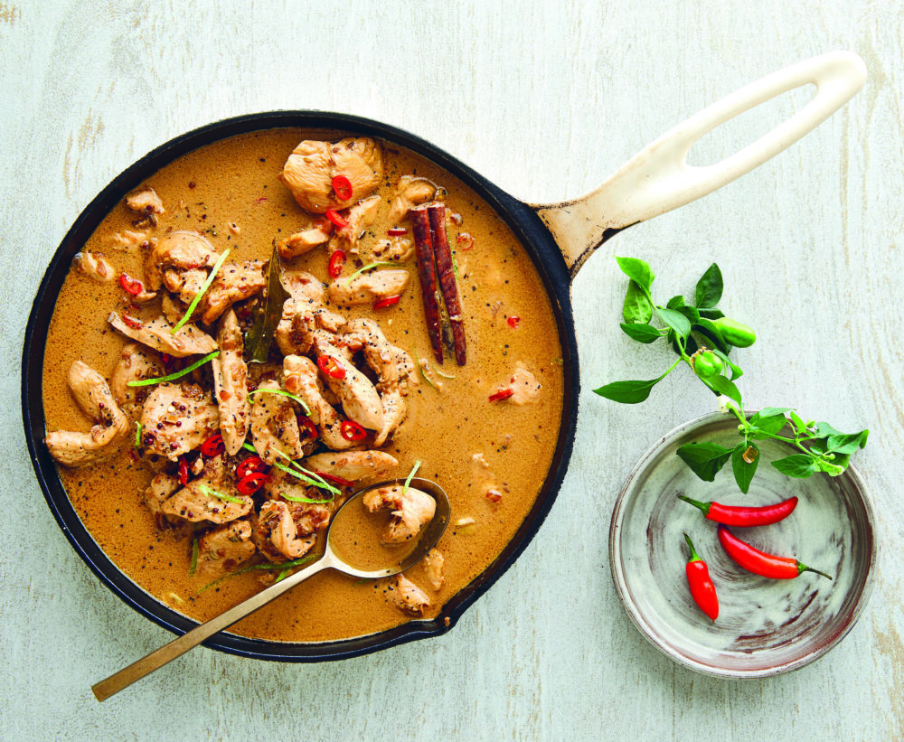 COOK: Chicken Coconut Curry in a Wok