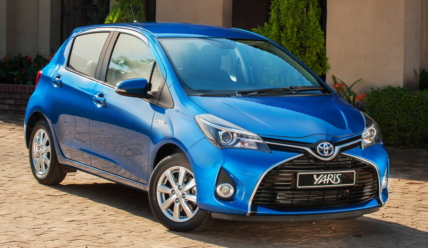 toyota yaris hybrid all charged up. Black Bedroom Furniture Sets. Home Design Ideas